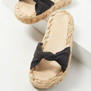 UO Willow Knotted Raffia Black Sandal 7 /i